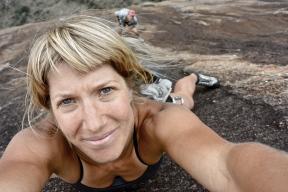 i fucking love climbing
